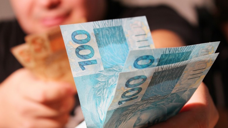 Qual o valor do salário mínimo? Confira mais abaixo